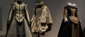 Cité internationale de la dentelle et de la mode de calais : exposition « Plein les yeux ! Le spectacle de la mode »