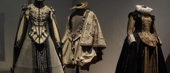 Exposition « Plein les yeux !  Le spectacle de la mode » à la Cité internationale de la dentelle et de la mode de Calais