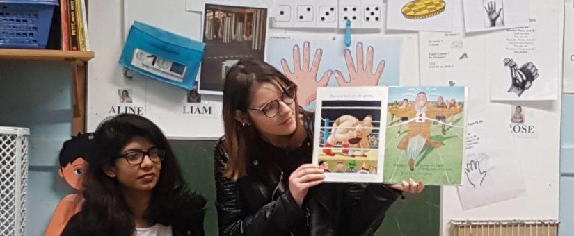 La lecture aux petits par les 1ère…